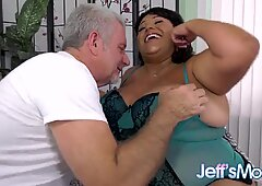 Huge Bellied Latina Veruca Darling Gets Worshiped and Railed