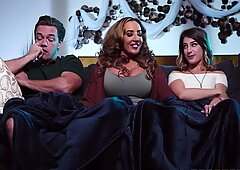 Kristen Scott, Richelle Ryan Stepmom Join In on the Fun