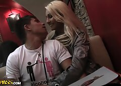 Jocelyn in blonde amateur girl gives a great cock-sucking