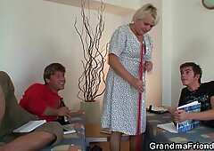 Old skinny granny takes 2 cocks from both sides