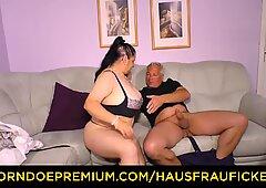 HAUSFRAU FICKEN - Tattooed German housewife gets cum on tits in dirty amateur fuck