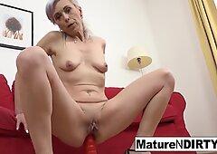Hot mature wants her ass filled with cum