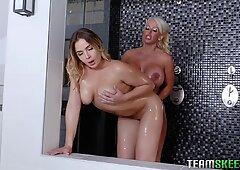 Big booty stepmommy