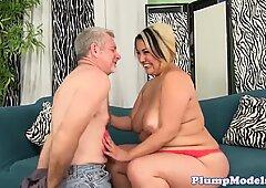 Cockriding BBW babe pleasing lucky cock
