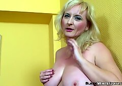 Granny looking for some fun switches from dildo to BBC