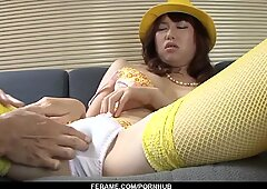 Naho Kojima works magic with her mouth and pussy