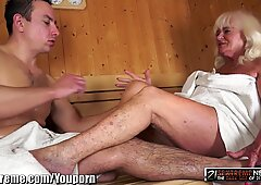 21Sextreme Granny Blows him in the Sauna