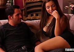 Yurizan Beltran And Gigi Loren Having Lesbian Sex