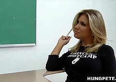 Aubrey Addams knows what her teacher want! - Peter North