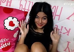 Thai nubile flashes off her bootie and oils her feet (me)