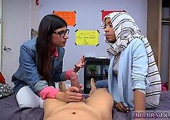 Hairy amateur teen webcam fingering BJ Lescrony s sons with Mia Khalifa