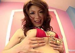 Japanese hottie dildos herself
