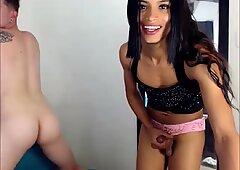 Sexy Chocolate Tranny Fucking Her Boyfriend On Webcam