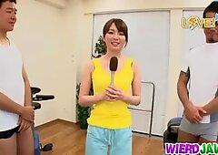 Skinny babe fucking her gym trainer